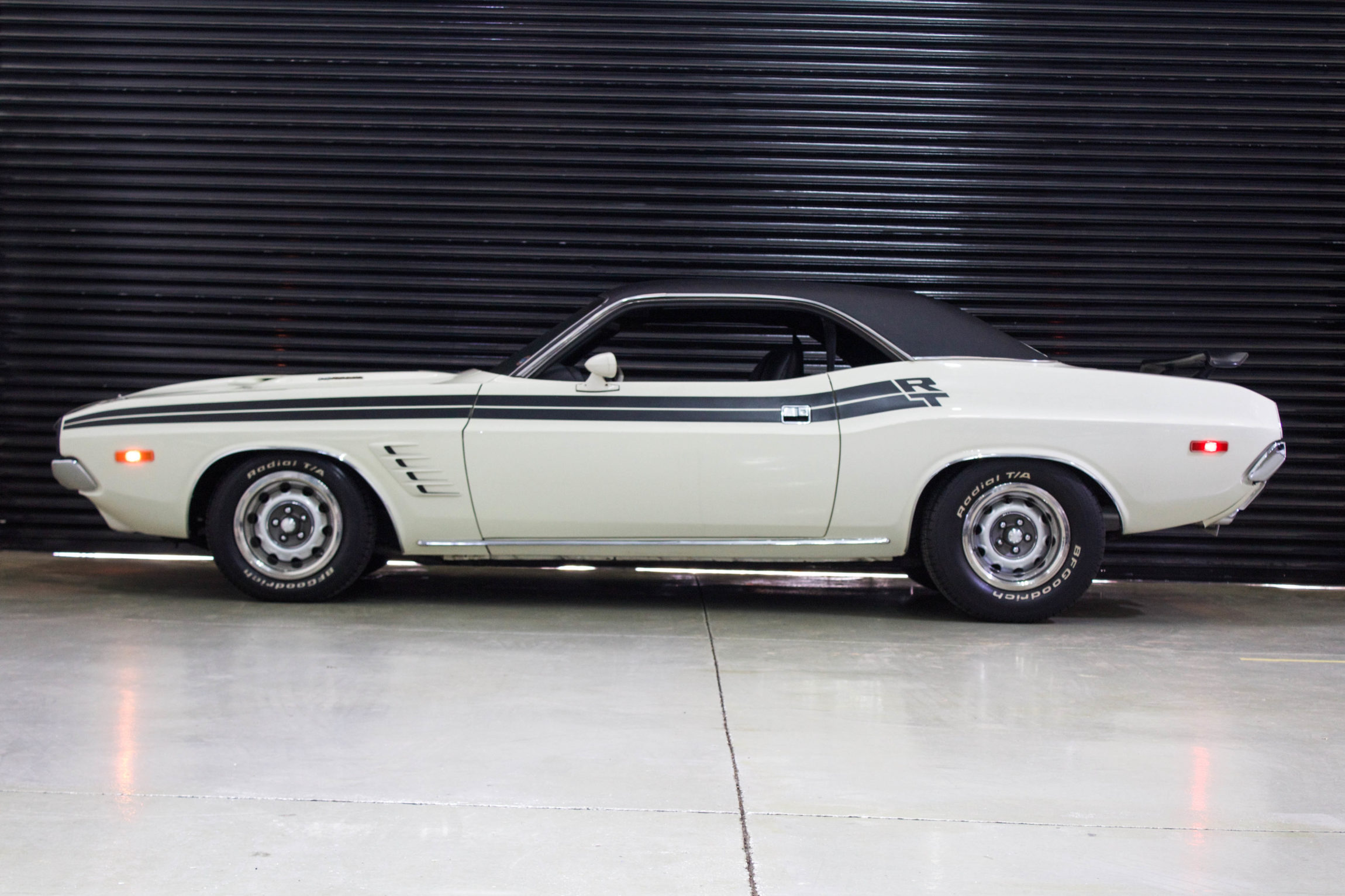 Dodge Challenger Antigo V8 >> 1972 Dodge Challenger RT - The Garage