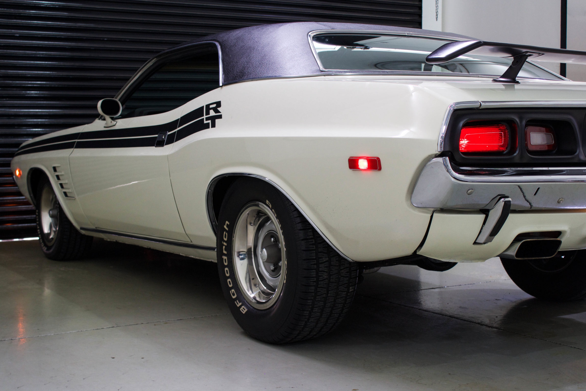 Dodge Challenger Antigo V8 >> 1972 Dodge Challenger RT - The Garage